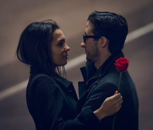 Couple with red rose. Guian Bolisay/Flickr.com